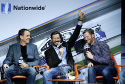Martin Truex Jr., Furniture Row Racing, Dale Earnhardt Jr., Hendrick Motorsports