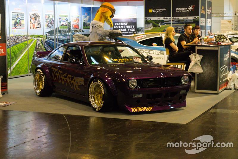 Opel de stand van Motorsport Arena Oschersleben