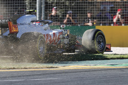 Kevin Magnussen, Haas F1 Team VF-18 Ferrari, runs off the track