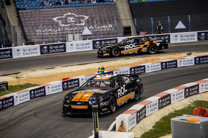 Petter Solberg y Joel Eriksson con el Whelen NASCAR
