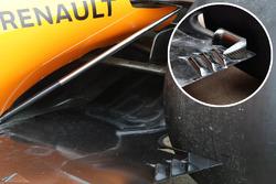 McLaren MCL33 floor comparsion