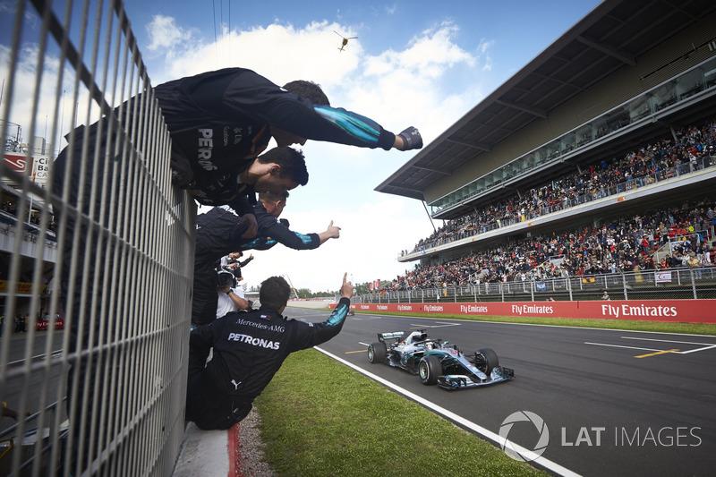 Hamilton celebrates back to back race wins