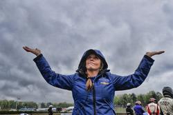 Carlin Chevrolet ekibi yağmurda