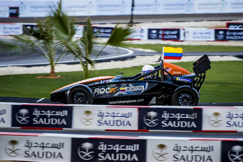 Juan Pablo Montoya in de Ariel Atom Cup