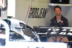 Romain Grosjean, Haas F1 in the garage