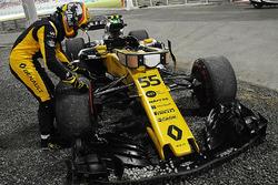 Сход: Карлос Сайнс-мл., Renault Sport F1 Team RS17