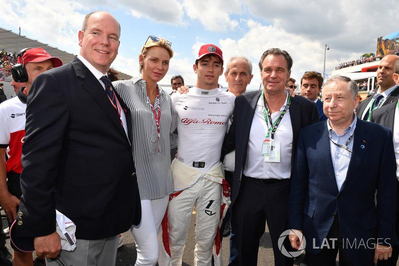 HSH Principe Alberto di Monaco, la Principessa Charlene di Monaco, Charles Leclerc, Sauber, in griglia con Jean Todt, Presidente FIA