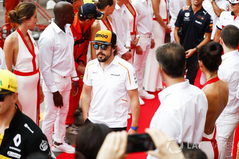 """Fernando Alonso: """"Extremamente entediante. Quero dizer, provavelmente essa foi a corrida mais monótona da história."""""""