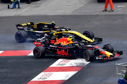 Carlos Sainz Jr., Renault Sport F1 Team R.S. 18, Max Verstappen, Red Bull Racing RB14