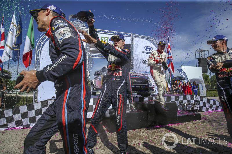 Podyum: Yarış galibi Sébastien Ogier, Julien Ingrassia, M-Sport Ford WRT Ford Fiesta WRC, Dani Sordo, Carlos Del Barrio, Hyundai Motorsport Hyundai i20 Coupe WRC