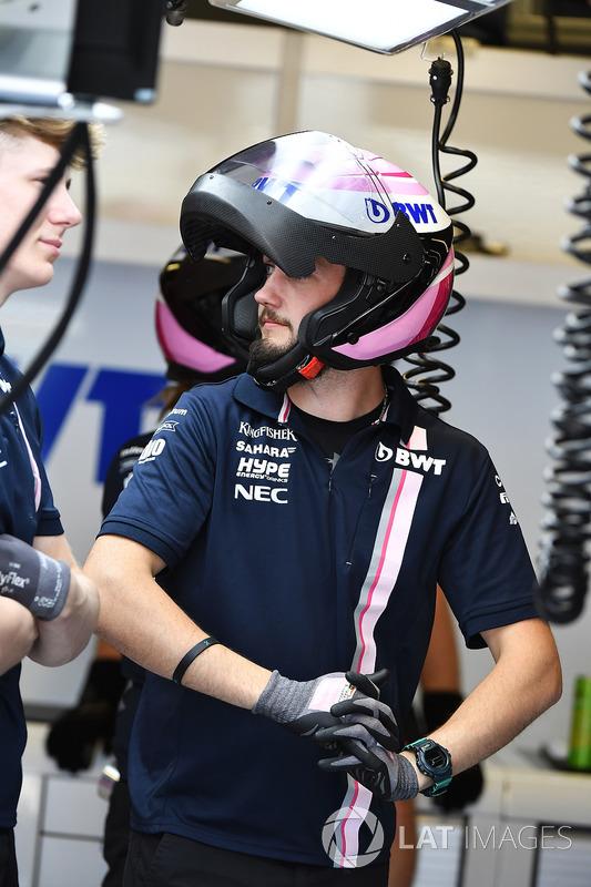 Force India F1 mechanic