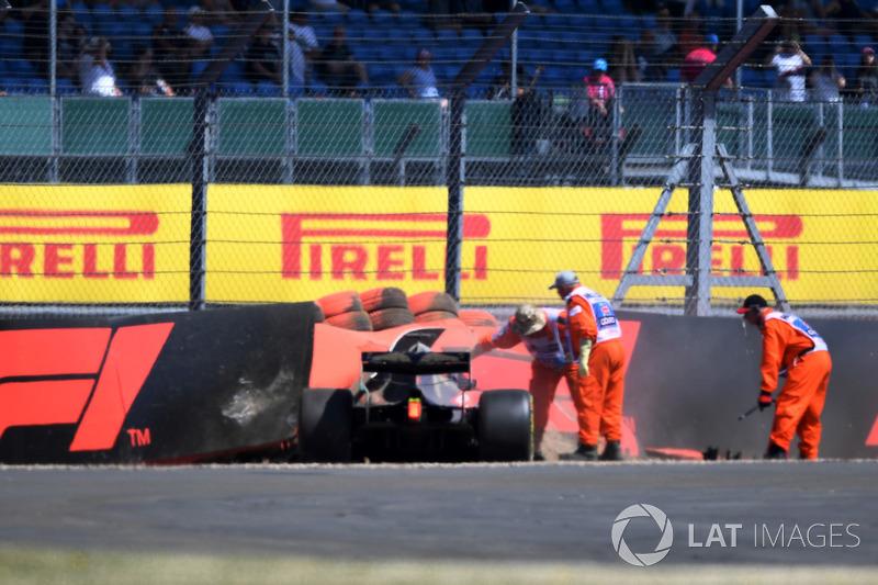 После аварии: Брендон Хартли, Scuderia Toro Rosso STR13