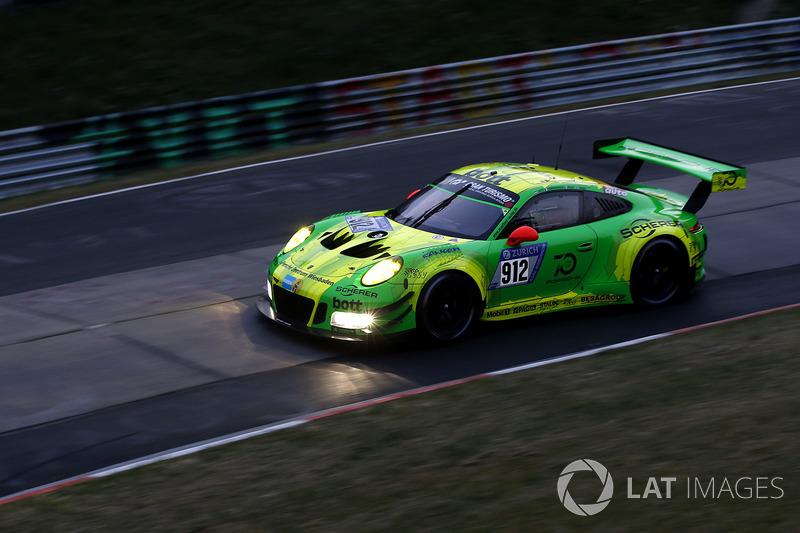 Рихард Лиц, Патрик Пиле, Фредерик Маковецки, Ник Тэнди, Manthey Racing, Porsche 911 GT3 R