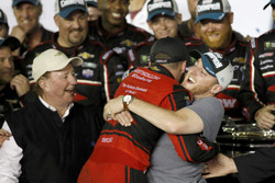 1. Austin Dillon, Richard Childress Racing Chevrolet Camaro, mit Bruder Ty Dillon