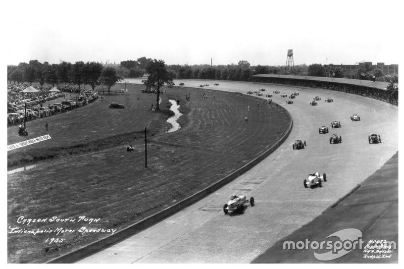 1935: Autos in Turn 1