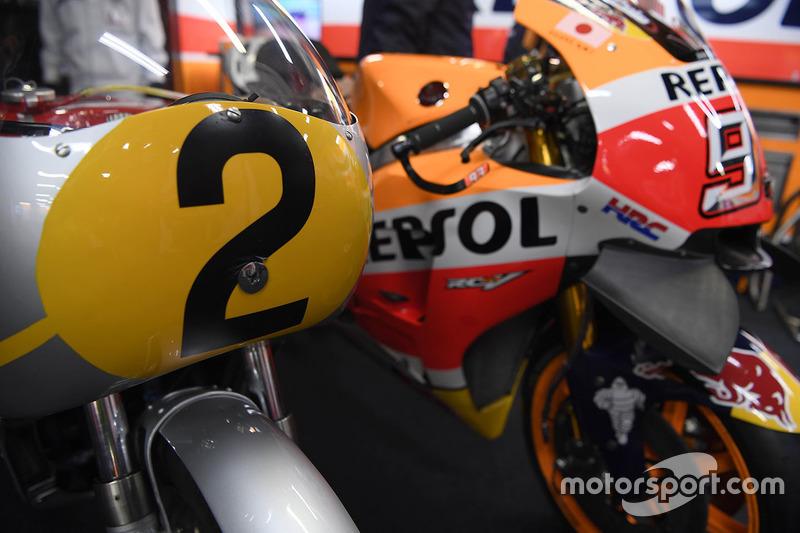 The Honda RC181 and the Honda RC213V
