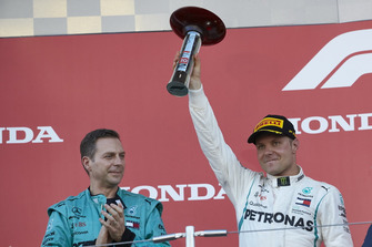 Valtteri Bottas, Mercedes AMG F1, with is trophy