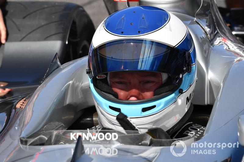 Mika Hakkinen, McLaren MP4-13, acara demonstrasi lap Perayaan Legenda F1 ke-30