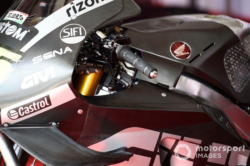 Cal Crutchlow, LCR Honda Castrol, rear thumb break
