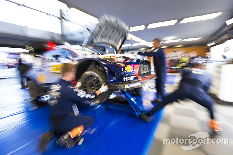 Hyundai i20 Coupe WRC Тьерри Невилля и Николя Жильсуля
