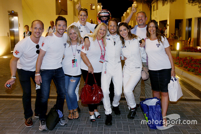 Jenson Button, McLaren Honda celebra su último GP con amigos y familiares
