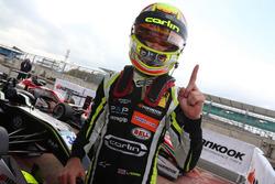 Ganador de la carrera Lando Norris, Carlin, Dallara F317 - Volkswagen