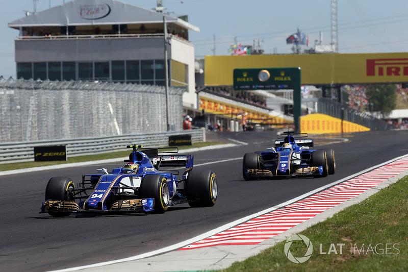 Pascal Wehrlein, Sauber C36 y Marcus Ericsson, Sauber C36