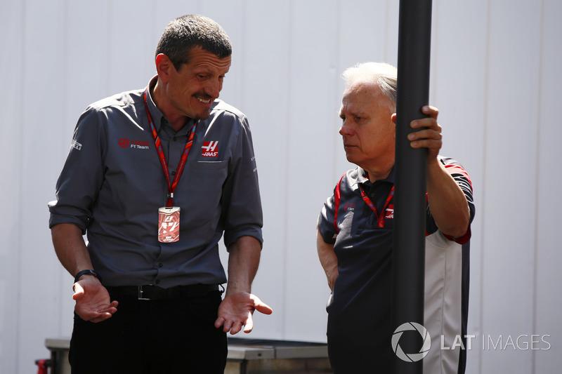 Руководитель Haas F1 Team Гюнтер Штайнер и владелец команды Джин Хаас