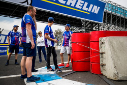 Trackwalk: Robin Frijns, Amlin Andretti Formula E Team; Antonio Felix da Costa, Amlin Andretti Formula E Team
