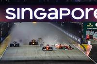 Sebastian Vettel, Ferrari SF70H, Max Verstappen, Red Bull Racing RB13, Kimi Raikkonen, Ferrari SF70H, start kazası