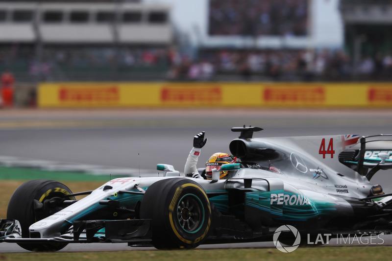 1 місце — Льюіс Хемілтон, Mercedes — 389
