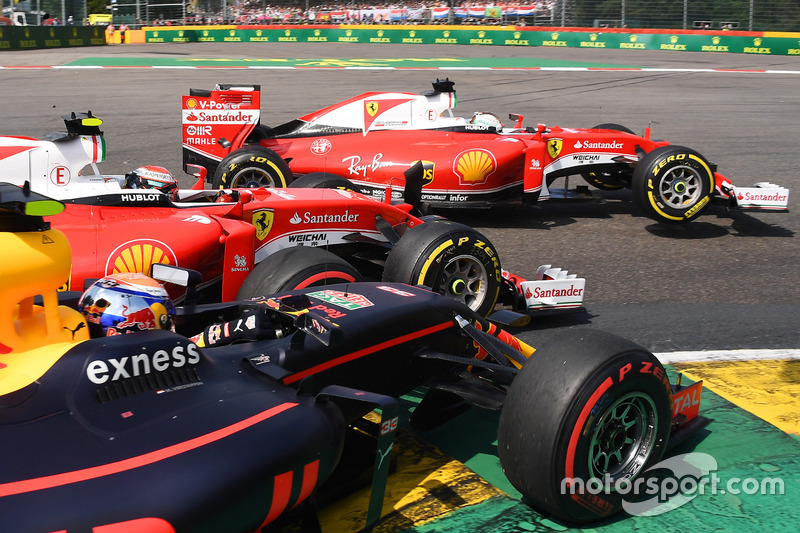 Sebastian Vettel, Ferrari, Kimi Raikkonen, Ferrari, Max Verstappen, Red Bull Racing collide a La Source