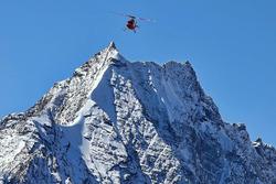 Вертолет службы спасения