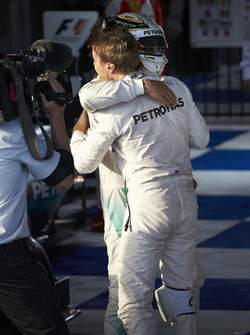 Winner Nico Rosberg, Mercedes AMG F1 Team, second place Lewis Hamilton, Mercedes AMG F1 Team in parc ferme