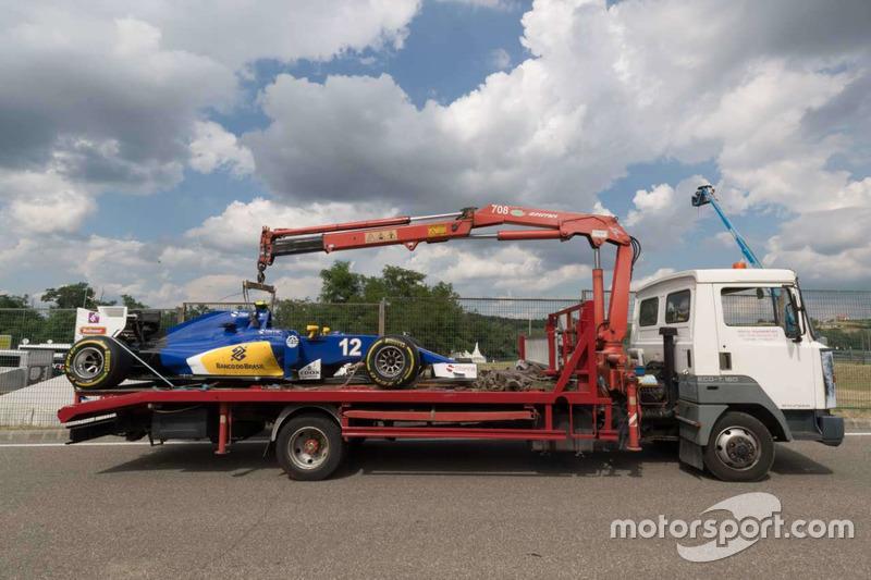 Marcus Ericsson, Sauber F1 Team leave the track