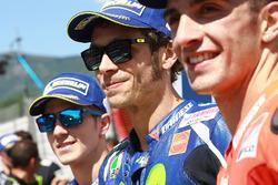 Ganador de la pole Valentino Rossi, Yamaha Factory Racing, segundo lugar calificado Maverick Viñales