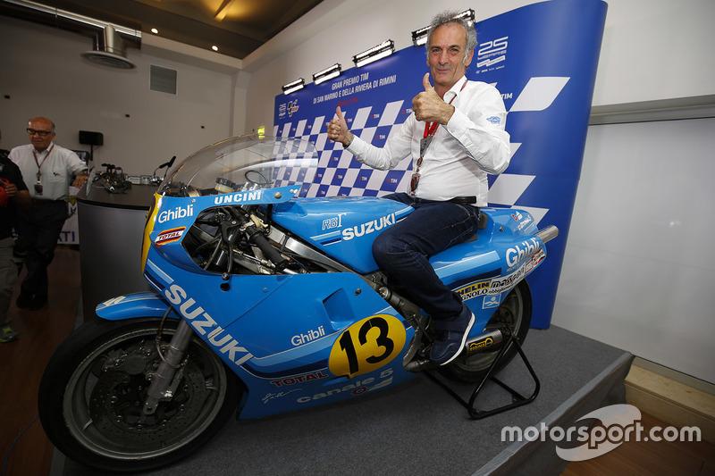 Franco Uncini with his 1982 500cc World Championship winning Suzuki