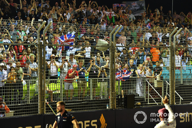 Pole sitter Lewis Hamilton, Mercedes AMG F1 celebrates in parc ferme with the fans