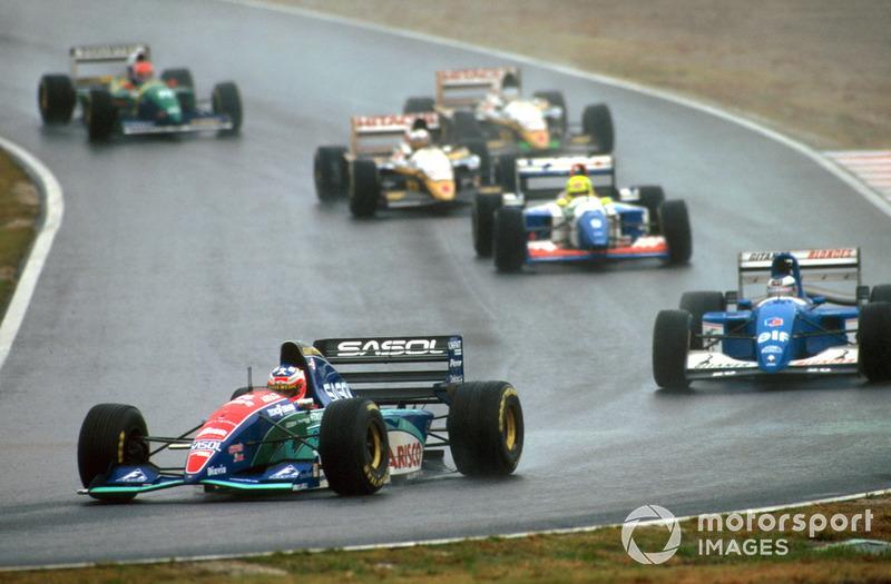 От практики суммарных результатов впоследствии отказались – Гран При Японии 1994 года остался последней гонкой, в которой судьи прибегли к правилу суммарного времени прохождения дистанции