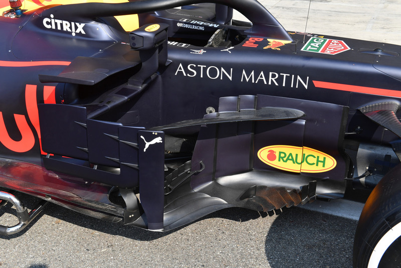 Red Bull Racing RB14 sidepod