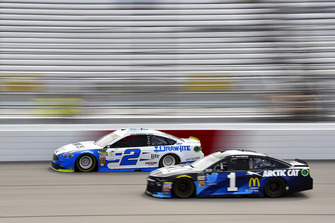 Brad Keselowski, Team Penske, Ford Fusion Reese/DrawTite and Jamie McMurray, Chip Ganassi Racing, Chevrolet Camaro Cessna