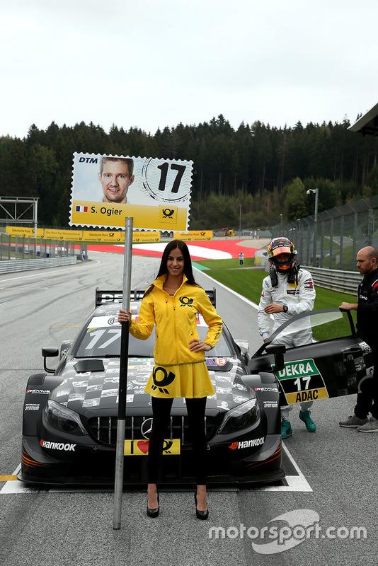 La grid girl di Sébastien Ogier, Mercedes-AMG Team HWA