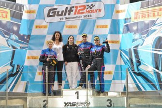 Manuela Gostner, Rahel Frey, Michelle Gatting. Kessel Racing. Ferrari 488 GTE