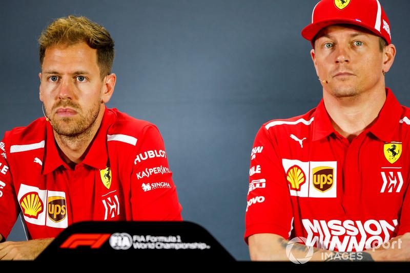 Sebastian Vettel, Ferrari, et Kimi Raikkonen, Ferrari, en conférence de presse