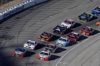 Joey Logano, Team Penske, Ford Fusion AAA Insurance, Brad Keselowski, Team Penske, Ford Fusion Wurth, ripartenza