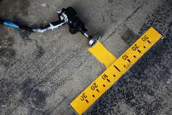 Sahara Force India F1 Team pit stop tyre gun