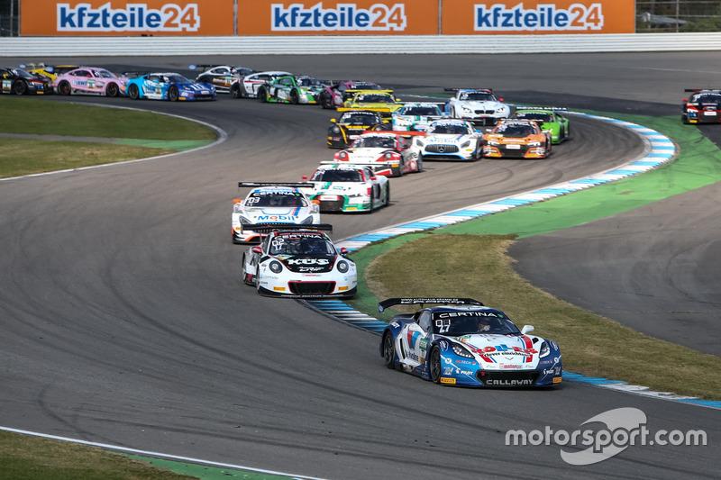 Aksi start: #77 Callaway Competition, Corvette C7 GT3-R: Jules Gounon, Daniel Keilwitz