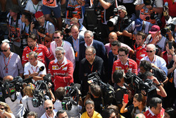 Maurizio Arrivabene, Ferrari Team Principal, Sergio Marchionne, CEO FIAT, Mattia Binotto, Ferrari Chief Technical Officer and Piero Lardi Ferrari, Ferrari Vice President celebrate with the team