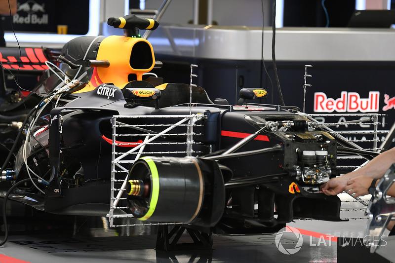 Матрица с сенсорами на Red Bull RB13