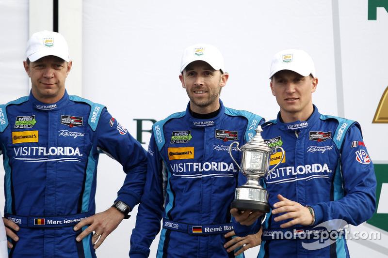 Podium: tercer lugar #90 VisitFlorida.com Racing Multimatic Riley LMP2: Marc Goossens, Renger van der Zande, René Rast